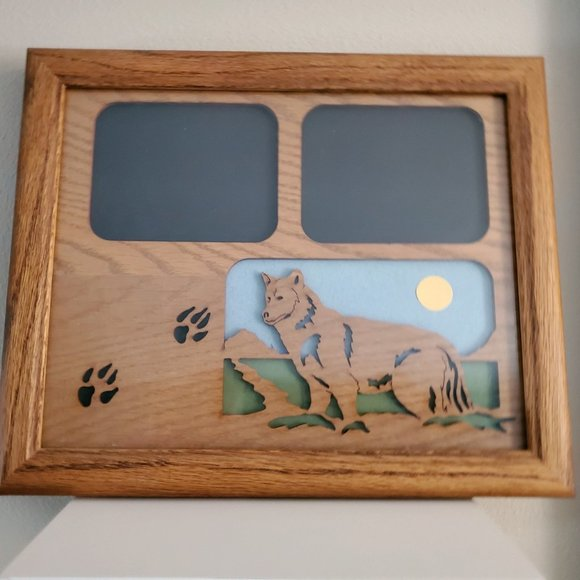 Wolf Picture Frame Wood 11 x 9